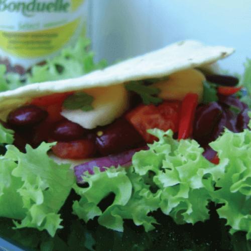 Тортилья с фасолью и авокадо