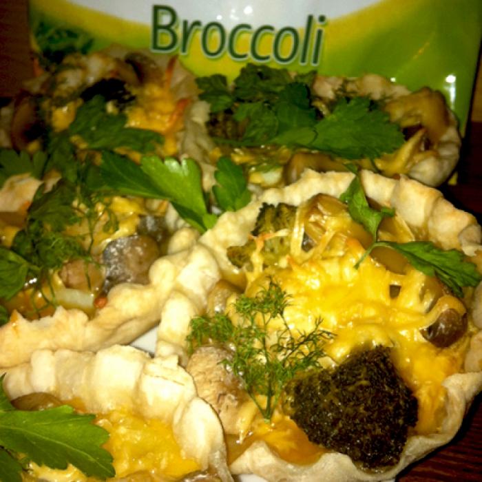 Запеченная картошка с овощами в яичной заправке