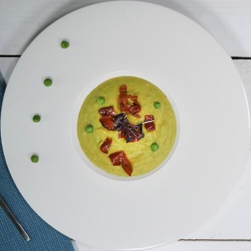 Гороховый крем-суп с прошутто