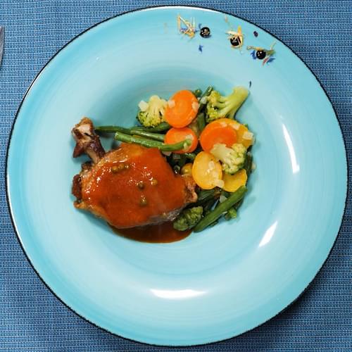 Утка с весенними овощами