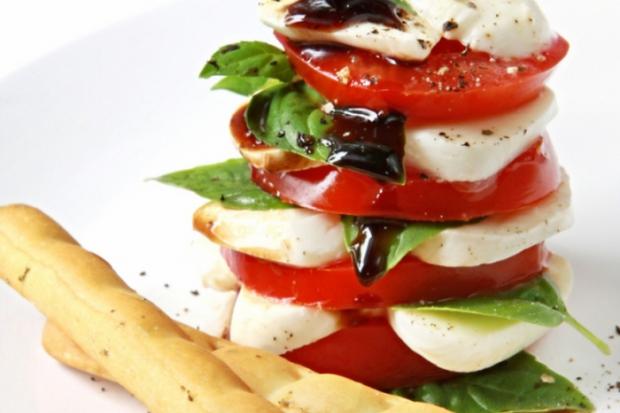 Більш ніж салати на основі Капрезе: поєднуємо овочі