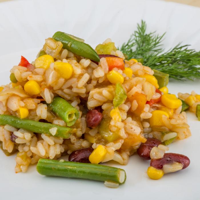 Квасоля з рисом та кукурудзою