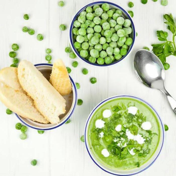 Вершковий крем-суп з горошку і броколі