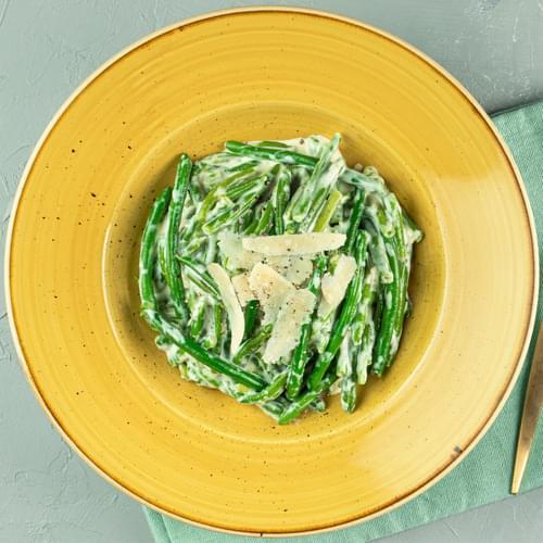 Зелена квасоля у вершковому соусі з пармезаном